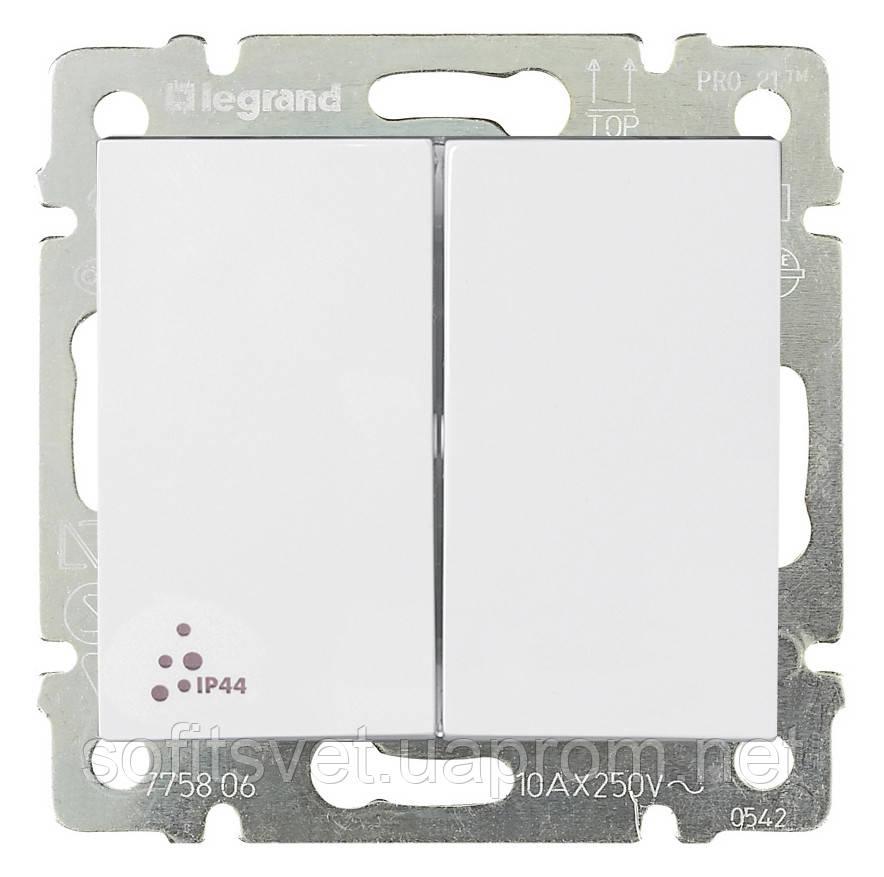 Переключатель на два направления двухклавишный Valena IP 44 10 AX 250 В~ белый Legrand 770098