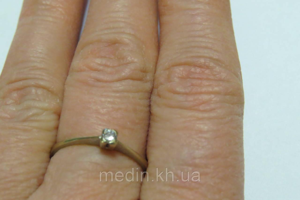 ... Золотое кольцо 585 пробы. Размер 18,4. Вставка бриллиант 0,10 карат ... 96720f97a4c