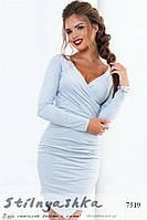 Замшевое асимметричное платье светло-серое