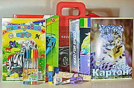 Подарунок випускнику дитячого садка + портфель для хлопчиків.
