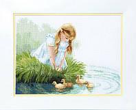Набор для вышивания крестом Crystal Art Девочка с утятами