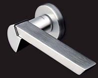 Дверная ручка на раздельной розе Spy матовый/глянцевый хром Mandelli (Италия)