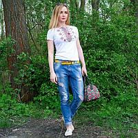 """Жіноча футболка з вишивкой """"Ромби червоні"""" 42-52 рр"""