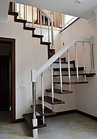 Лестница поворотная открытая из дерева