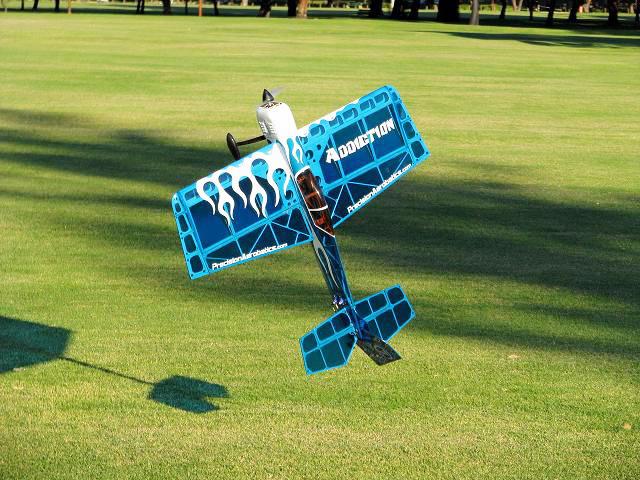 Самолёт р/у Precision Aerobatics Addiction 1000мм ARF (синий)
