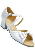 Туфли танцевальные для девочки на блок-каблуке белые лаковые