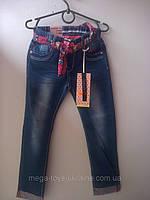Модные весенние джинсы для девочки