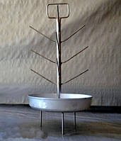 Ёлка с алюминиевой тарелкой