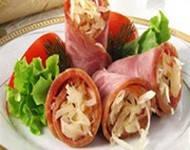 Салат из сосисок с огурцами