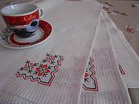 Отбеленные салфетки для сервировки стола с угловой вышивкой