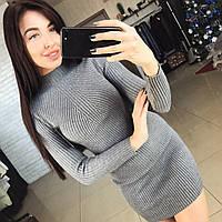 Вязанное короткое платье
