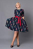 """Модное темно синее платье под пояс с стильным принтом """"модели"""""""