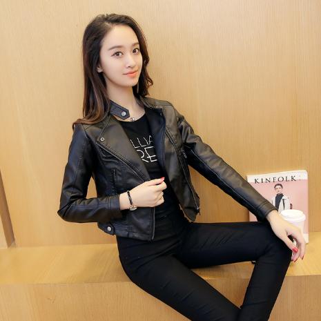 Жіноча шкіряна куртка. Модель 2032