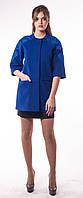 Женское укороченное пальто с вышивкой