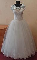Белое свадебное платье для настоящей невесты, с маленьким кружевным рукавчиком, размер 40-44 (б/у)
