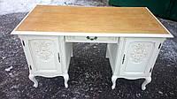 Кабинетный стол. Старинный письменный стол.