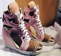 Ботинки женские короткие кожа, носок под металл, танкетка 5 цветов, фото 1