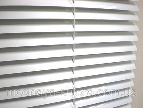 Горизонтальні алюмінієві жалюзі 25 мм (білі)