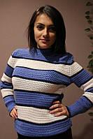 Женский вязаный свитер в полоску