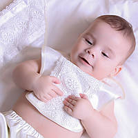 Слюнявчик Елисей от Miminobaby молочный