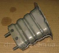 Крепление усилителя переднего бампера правое EC7 EC7RV