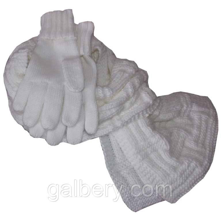 В'язаний зимовий шарф - петля об'ємної ручної в'язки, і в'язані рукавички