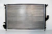Радиатор системы охлаждения (с АС) до 2008 г.LOGAN/SANDERO VALEO (7700428082) 232621