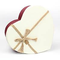 Подарочная коробка в форме сердца красная с белой крышкой 15.5 x 12 x 6,2 см