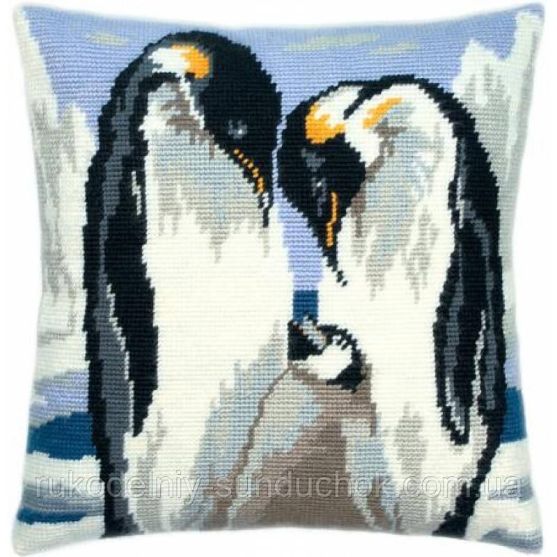 Набор для вышивки крестом Чарівниця V-14 Подушка Любящие пингвины