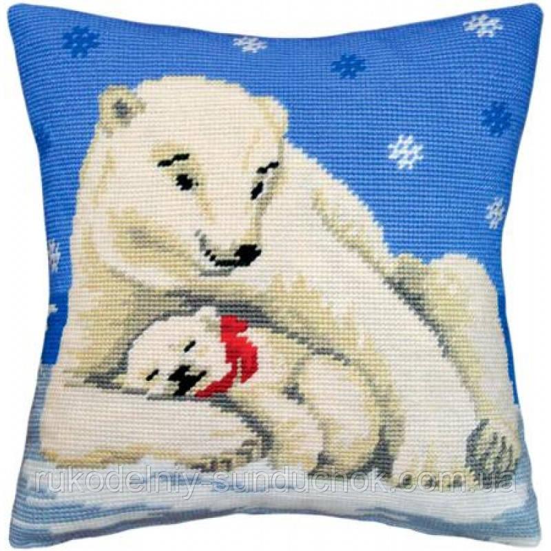 Набор для вышивки крестом Чарівниця V-06 Подушка Белые медведи