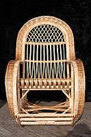 Кресло-качалка из лозы королевская с подставкой для ног