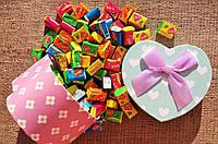 Жвачки Love is 5 вкусов микс жевательная резинка лове ис подарочный набор 70 штук