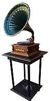 Рабочий старинный граммофон