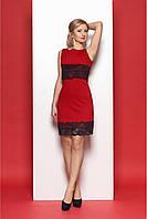Классическое женское платье с кружевом красного цвета