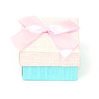 Подарочная коробочка под кольцо из дизайнерского картона 5 х 5х 3см розовая, фото 1