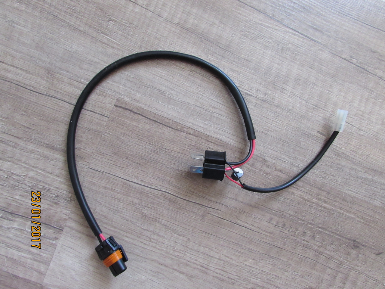 Проводка раздельная для би-линз и биксенона(штука)