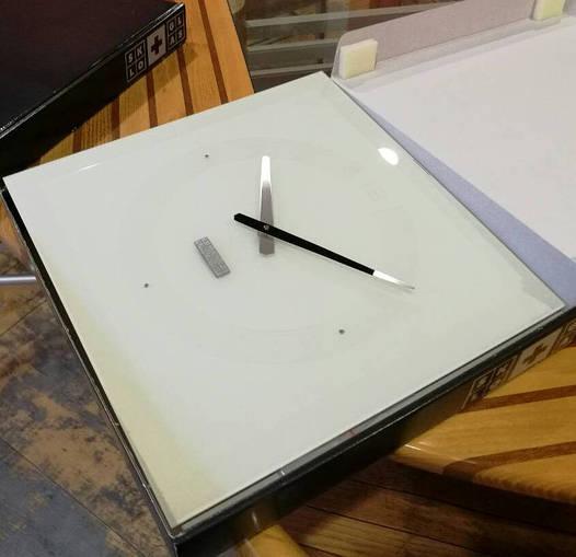 Часы настенные стеклянные 40х40 см PREMIUM с камнями и фацетом белые [Стекло]