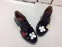 Женские классические  туфли на шнурках,натуральная лаковая кожа.