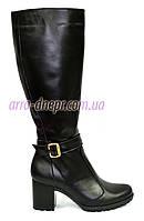 Зимние женские кожаные сапоги, из черной кожи. Устойчивый каблук.