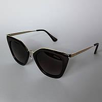 Женские солнцезащитные очки Prada