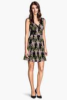 Платье в тропический принт H&M