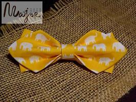 Детская бабочка желтая со слонами Ретро