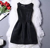 Чёрное короткое коктейльное платье