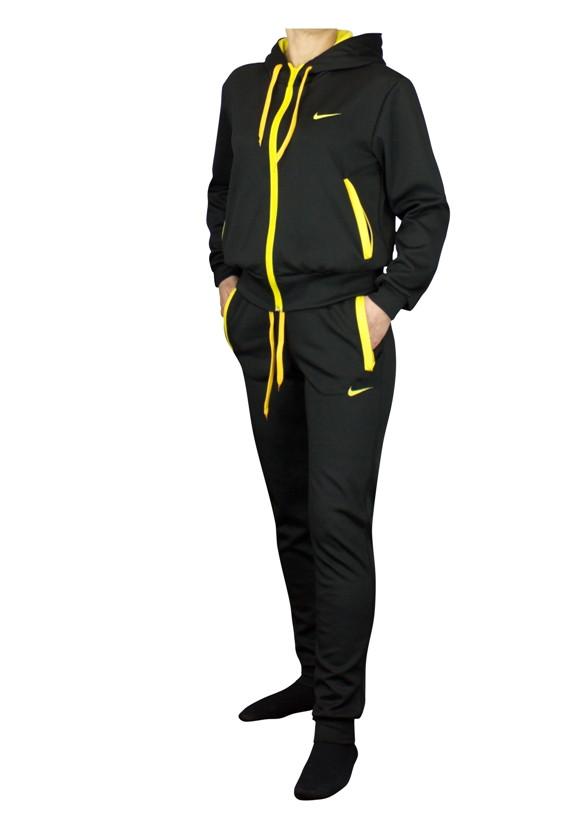 Черный женский спортивный костюм с цветным декором