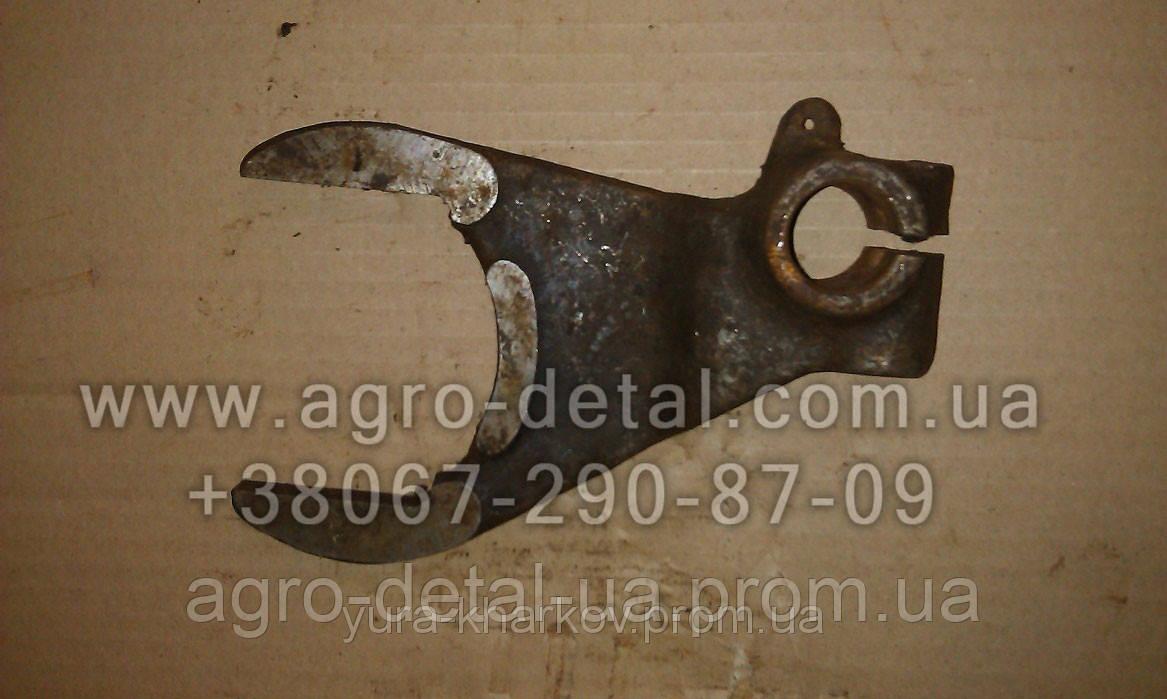 Вилка 75.37.153-1А коробки переключения передач трактора Т 74 ХТЗ