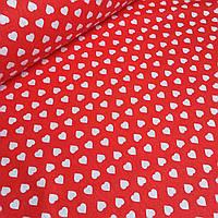 Ткань бязь  с белыми сердцами красном фоне №436