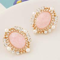 Серьги с розовым камнем и маленькими жемчужинами
