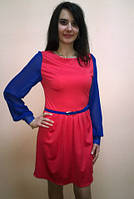 Платье с шифоновыми рукавами яркого цвета под пояс