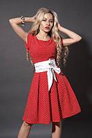 Легкое летнее платье красного цвета в белый ромбик с карманами на талии