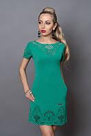 Отличное летнее платье в бирюзовом цвете низ и декольте декорировано перфорацией